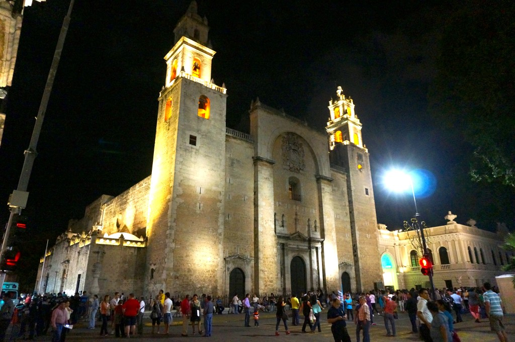Catedral at night
