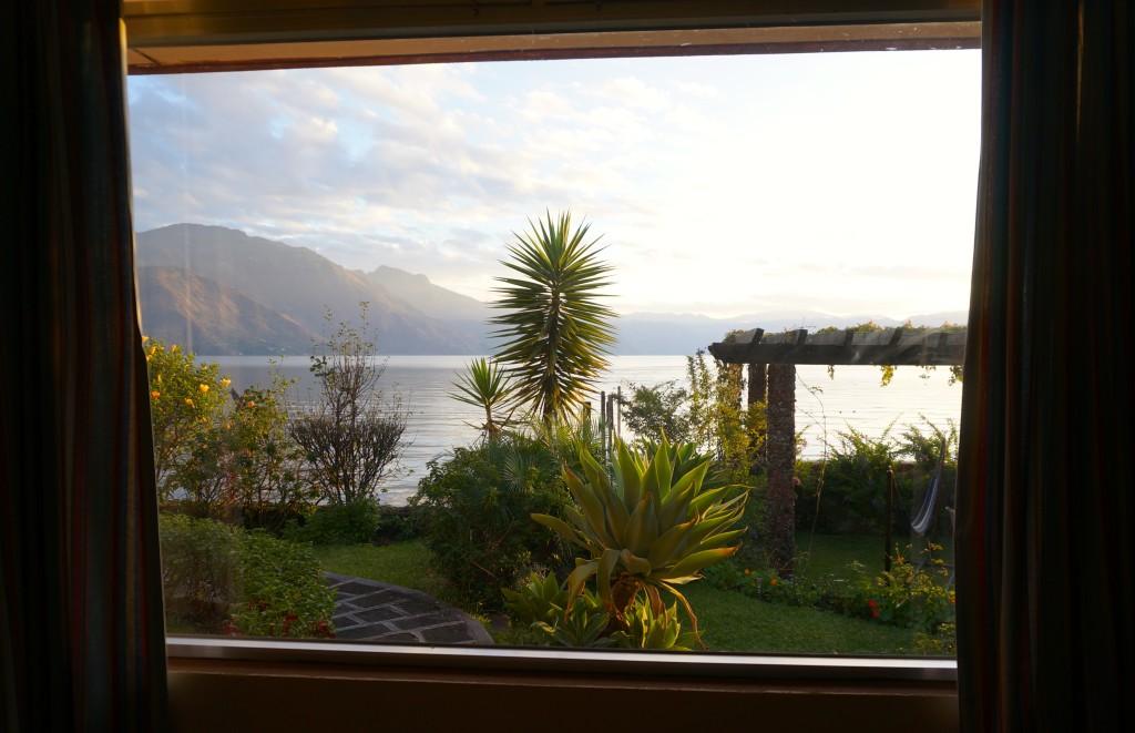 Hotel Sakcari San Pedro La Laguna lake room view