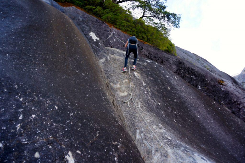 climbing down Arco Iris