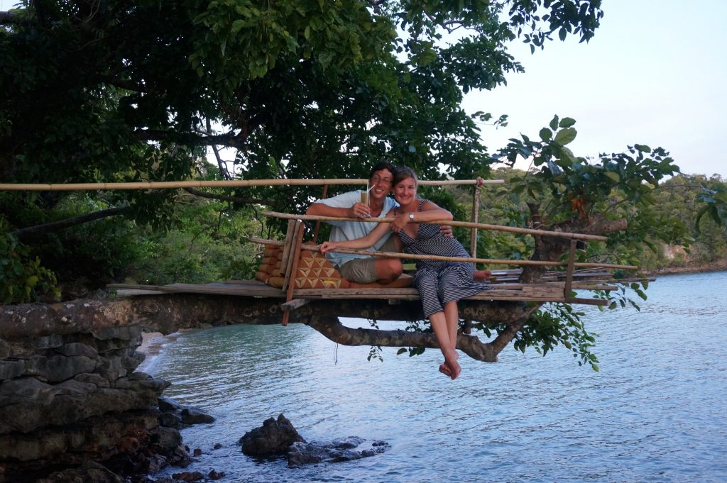 Tew Lay Bar in Railay has treehouse to relax with drinks