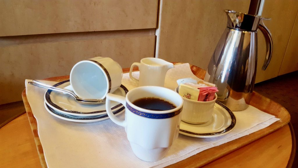 Cruise hack: wake-up call of free coffee room service