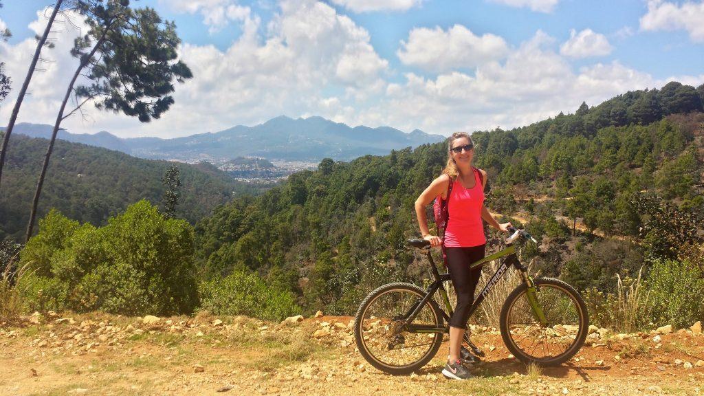 Cycling to Arcotete on mountains bikes from San Cristobal de las Casas