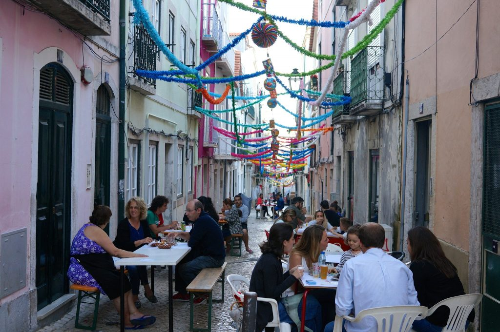 Alleyway eats in Lisbon