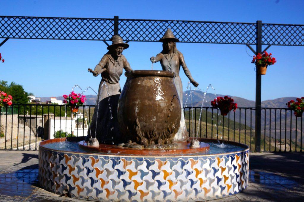 Soportújar spain witches statue