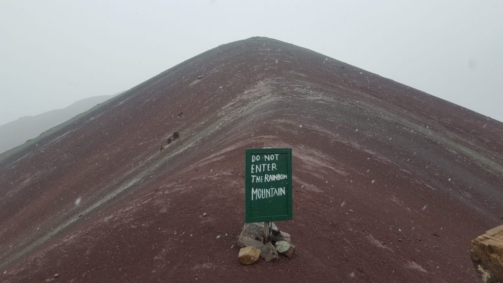 Rainbow Mountain sign