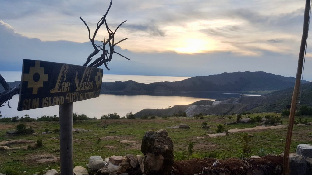 Las Velas sign on Isla del Sol