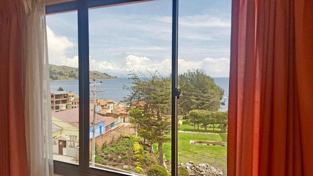 Hotel Wendy Mar provides left luggage storage in Copacabana Bolivia
