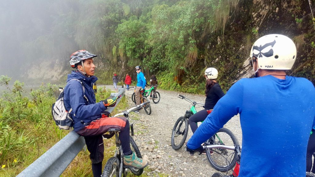 Barracuda Biking Death Road guide providing instructions