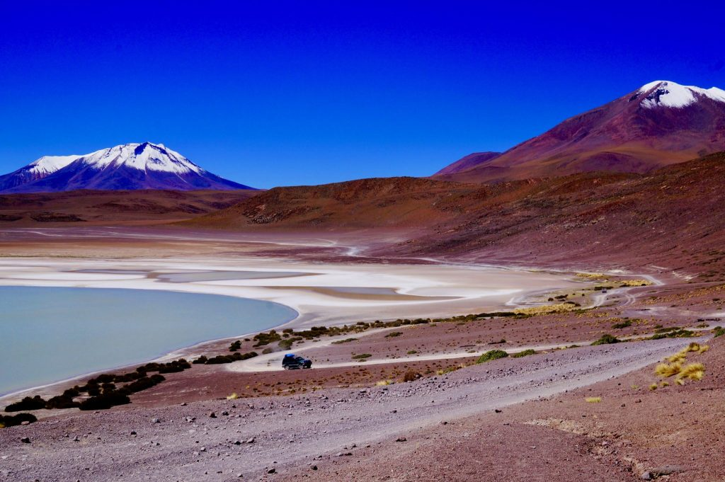 Laguna verde and volcano Bolivia tour