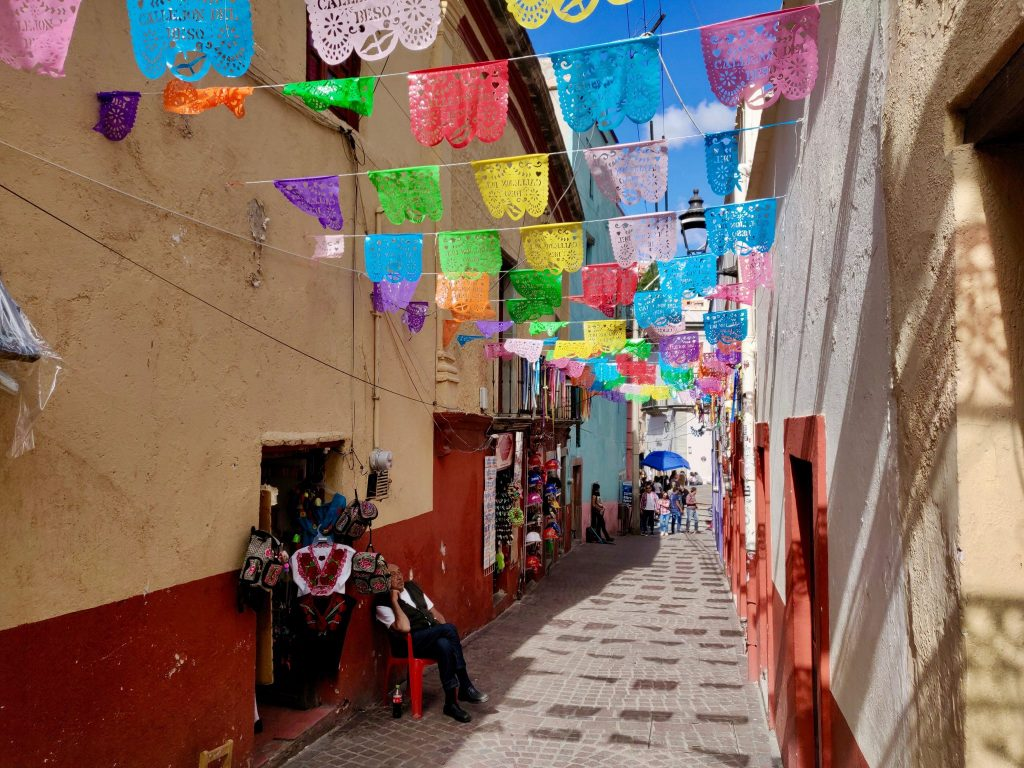 Colorful alleyway in centro Guanajuato