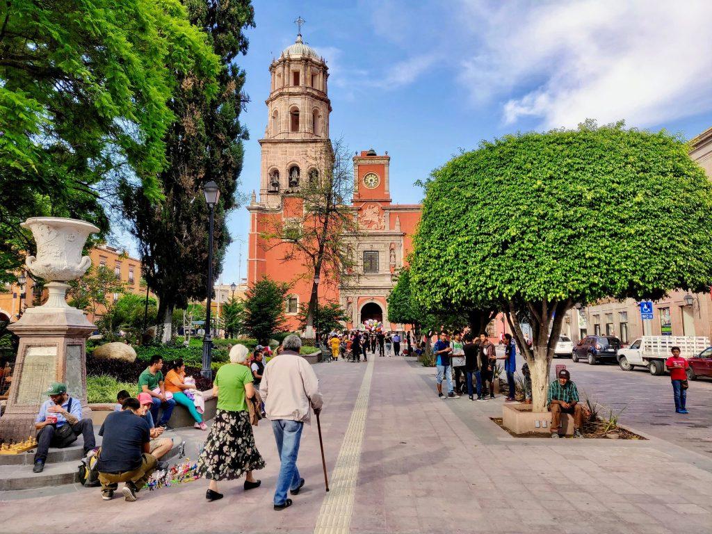 Zenea Garden Queretaro plaza