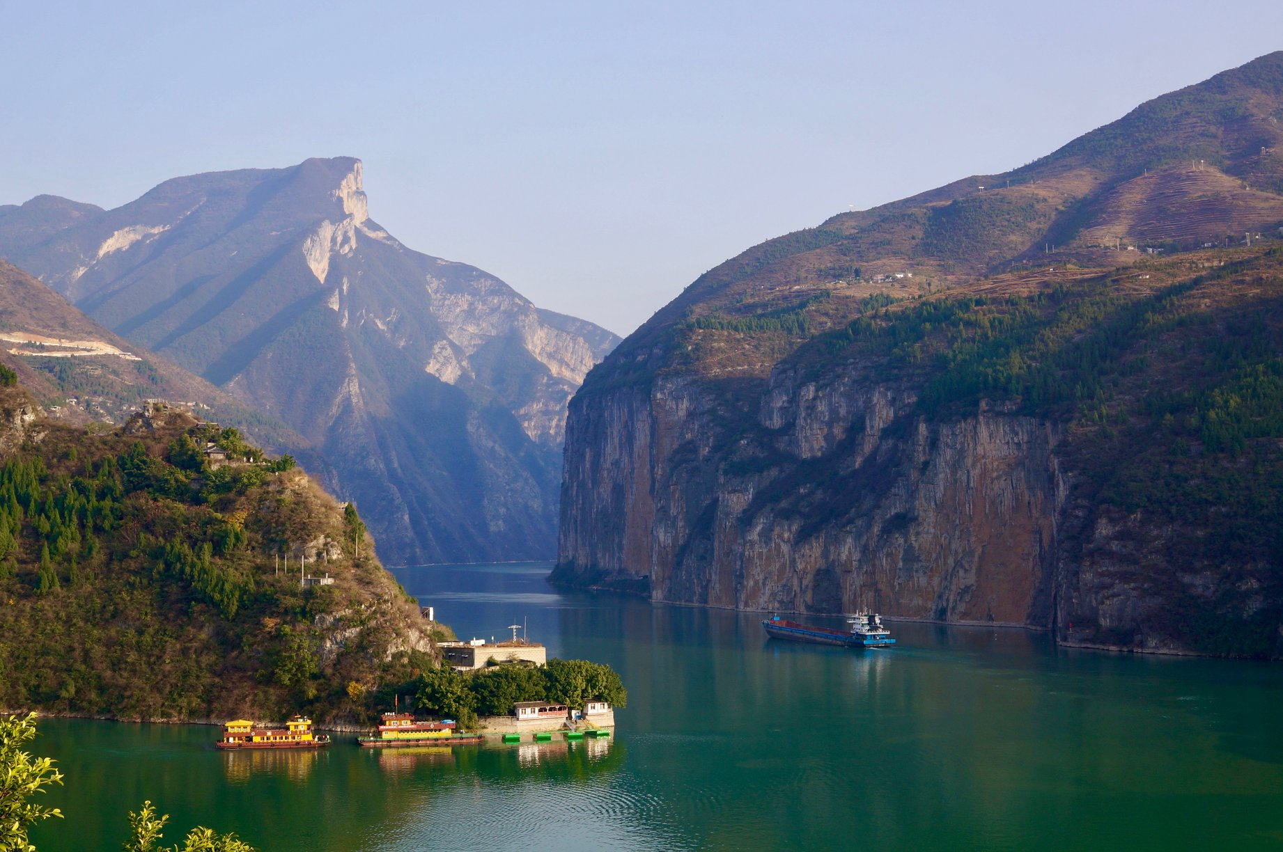Three Gorges: Yangtze River cruise in china