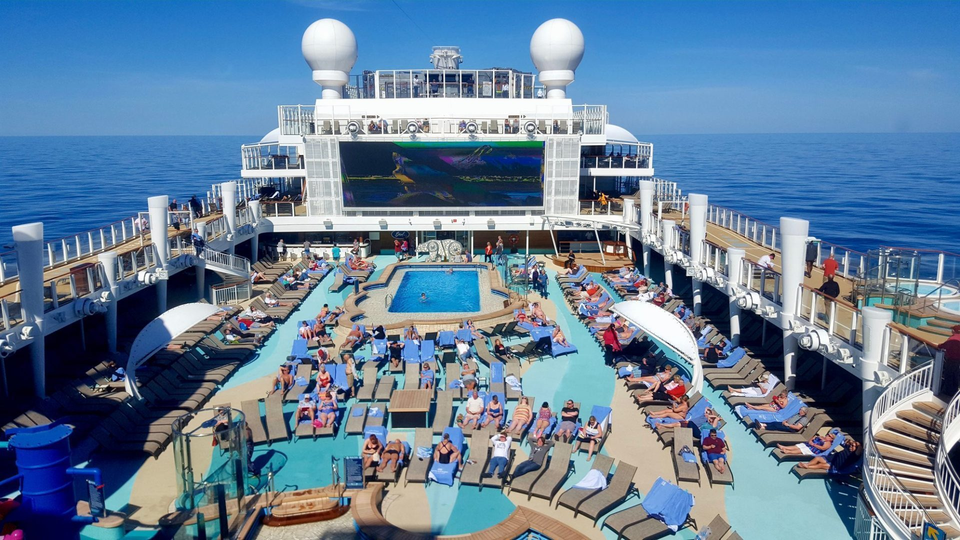 Pool on Norwegian Bliss
