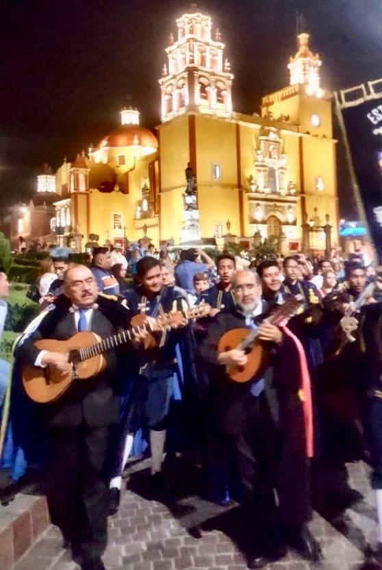 Callejoneadas Guanajuato costumed night tour around Guanajuato