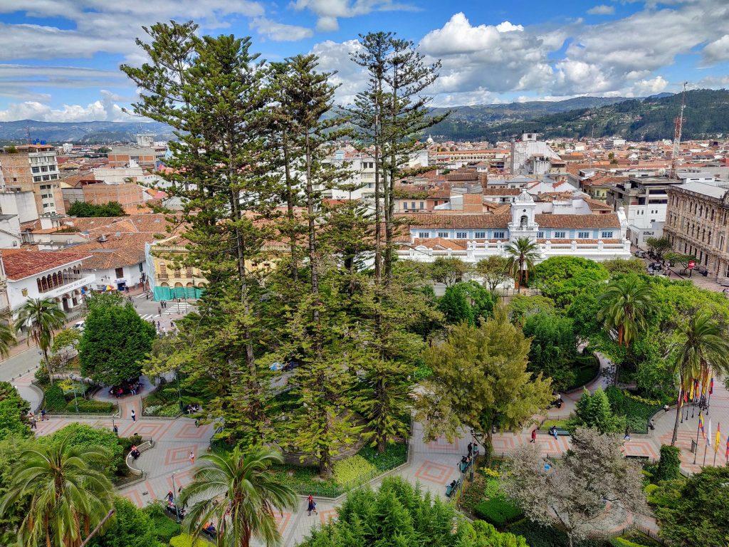 Parque Calderon in Cuenca Ecuador