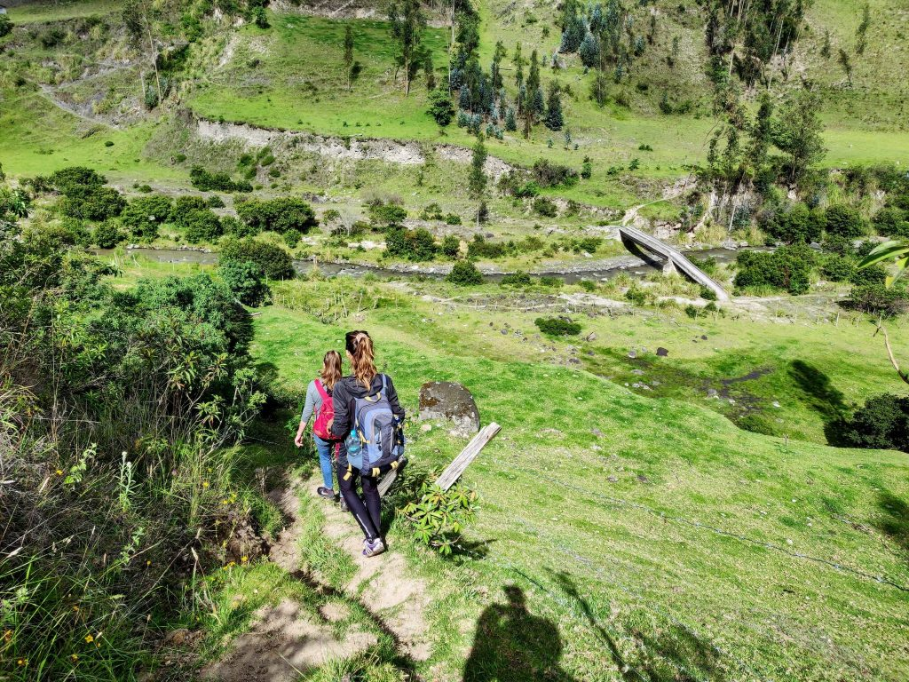 hiking the quilotoa loop trail from Isinlivi to Sigchos